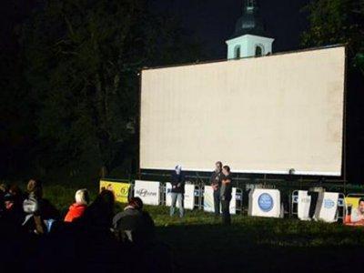 Letní kino DOUBRAVECKÁ PROMÍTAČKA